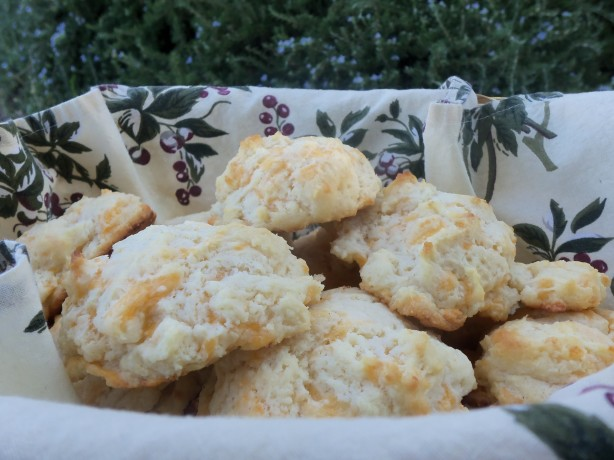 Garlic Cheddar Biscuits Recipe - Food.com
