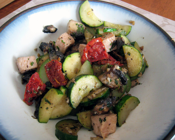 Sauteed Zucchini And Mushroom With Sun-Dried Tomatoes Recipe - Food ...