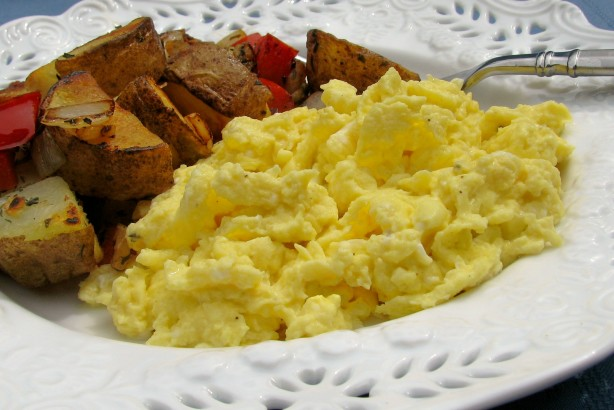 how to make fluffy scrambled eggs food network