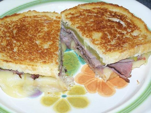 Grilled Roast Beef And Melted Pepper Jack Cheese Sandwich ...