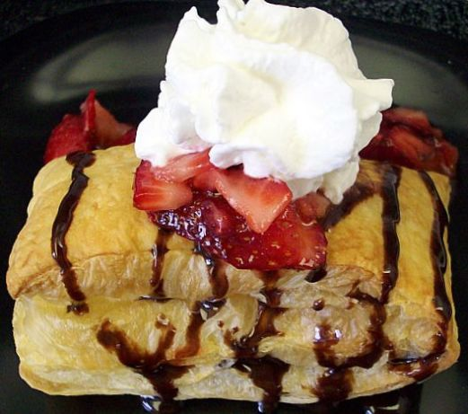 how to make strawberry shortcake with puff pastry