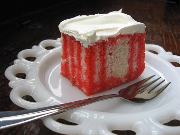 Easy Strawberry Jello Cake Recipe (with Video) - TipBuzz