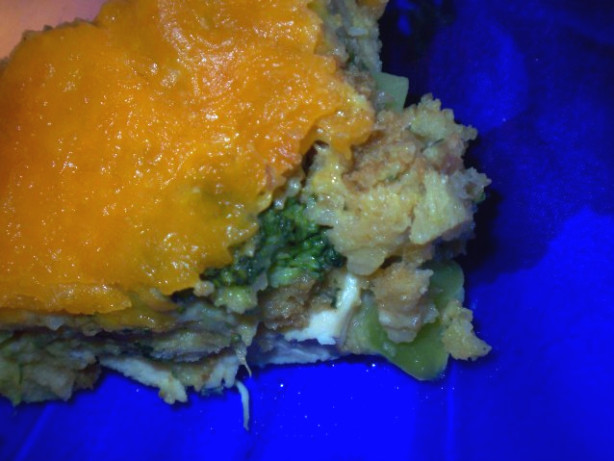 how to make chicken stuffing casserole with broccoli