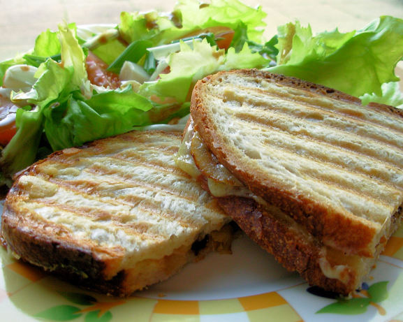French Onion Soup Grilled Cheese Recipe - Cheese.Food.com