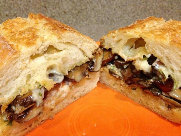 Portabella Mushroom Sandwiches With Roasted Garlic Basil Mayo
