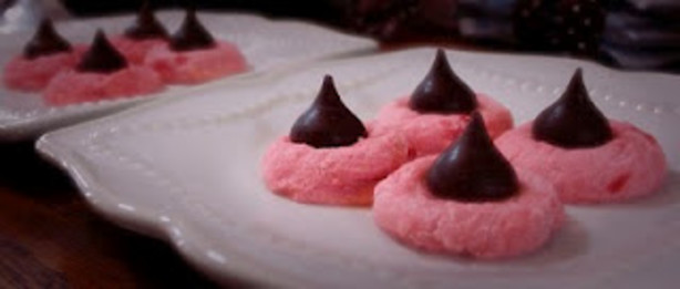 Cherry Chocolate Kiss Cookies - Valentine Kisses Recipe ...