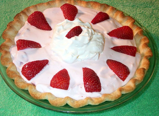Strawberry Cream Pie Recipe Easy strawberry cream pie recipe - baking ...