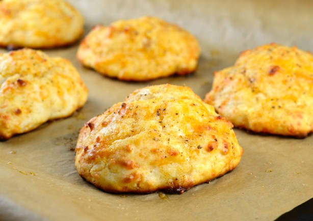Red Lobster Cheddar Bay Biscuits Recipe - Food.com