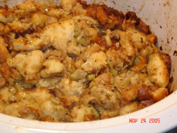 Easy Crock Pot Stuffing