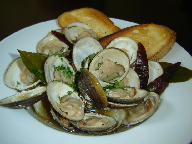 Steamed Clams With Fresh Basil Recipe — Dishmaps