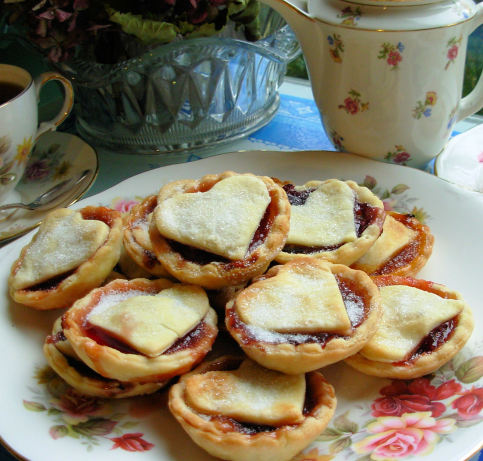 The queen of hearts valentines jam tarts recipe for Easy jam tarts ready made pastry