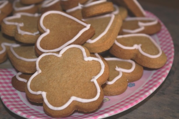 Moravian Crisps With Royal Icing Recipes — Dishmaps