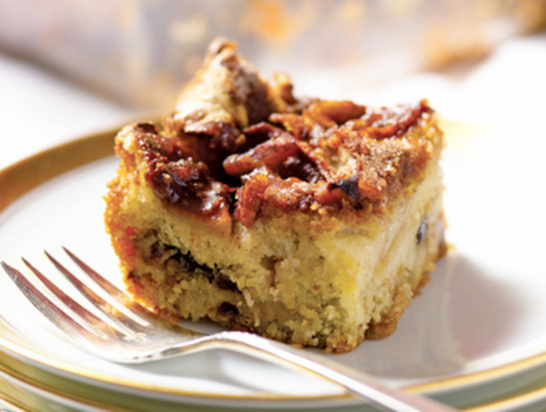 Apple And Pecan Crumble Cake