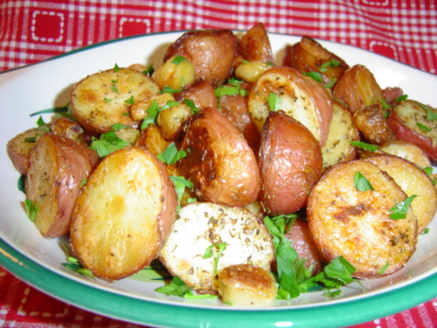 Roasted Garlic-Herb New Potatoes Recipe - Food.com
