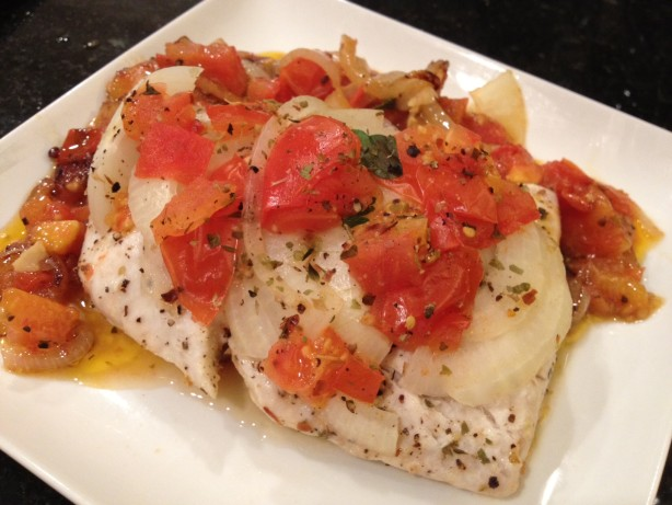 Corvina a la chorillana peruvian fish in spicy tomato for Corvina fish recipes