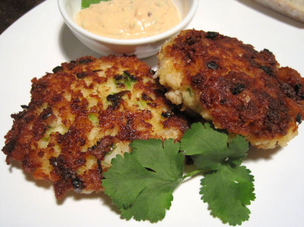 Spicy Cod Cakes With Chipotle Sauce Recipe