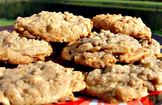 Toffee-Almond Oatmeal Cookies Recipe - Food.com