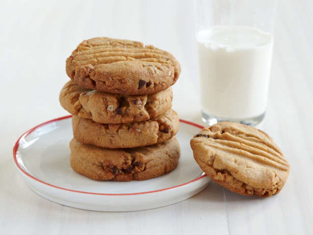 Chewy Granola Peanut Butter Cookies Recipe - Food.com