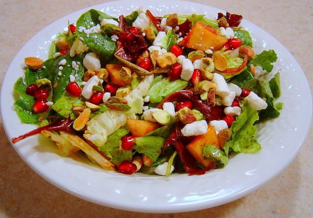 Arugula, Pear And Goat Cheese Salad With Pomegranate Vinaigrette ...