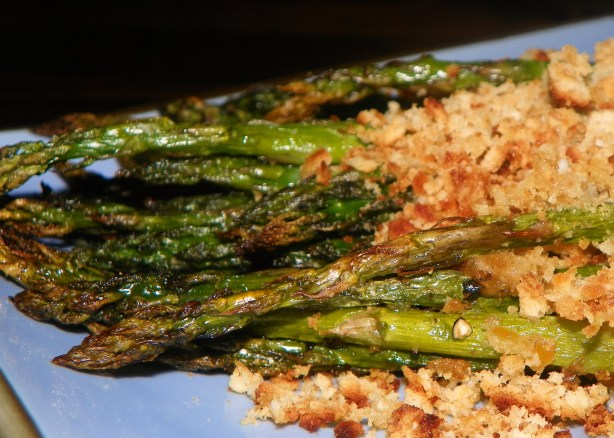 Roasted Asparagus With Crunchy Parmesan Topping Recipe ...