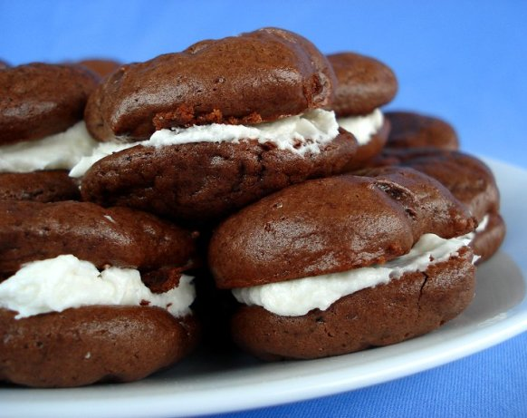 Cream Filled Chocolate Cookies Like Oreo Cakesters Recipe