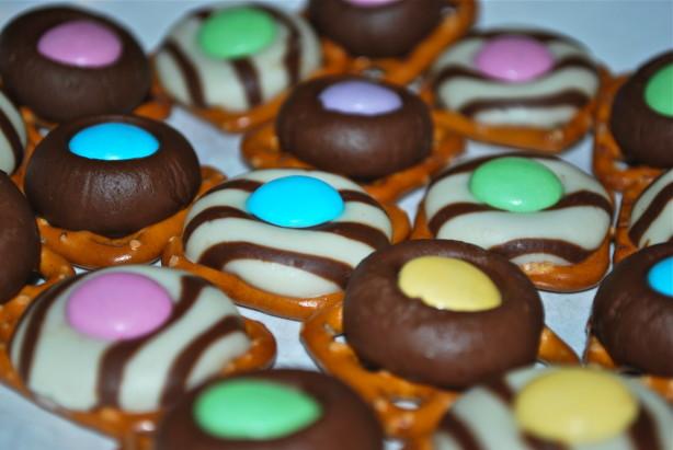 chocolate pretzel ring candies recipe food