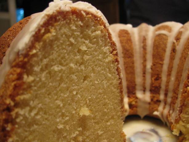 Moist Vanilla Sour Cream Pound Cake