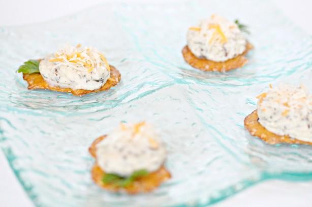 Cheesy Pesto Pretzel Crisps Recipe - Food.com