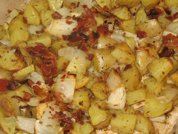 Yukon Gold Roasted Potatoes With Bacon, Onion And Garlic Recipe - Food ...