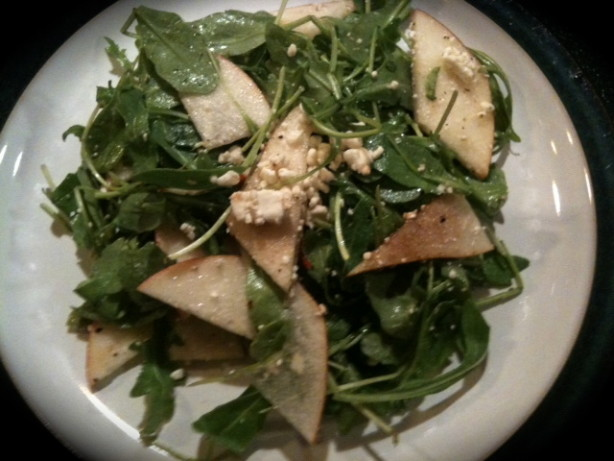 goat cheese and arugula spinach salad with chicken avocado and goat ...