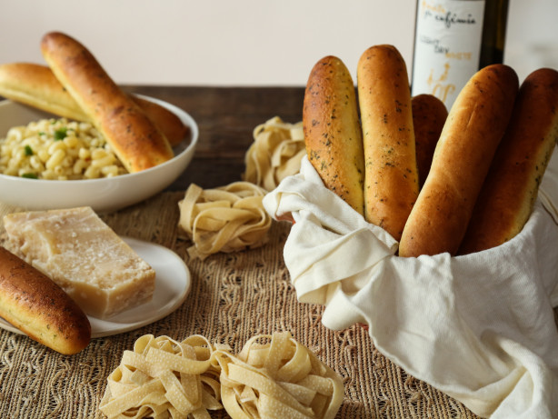 Copycat olive garden recipes genius kitchen for Olive garden breadsticks recipe