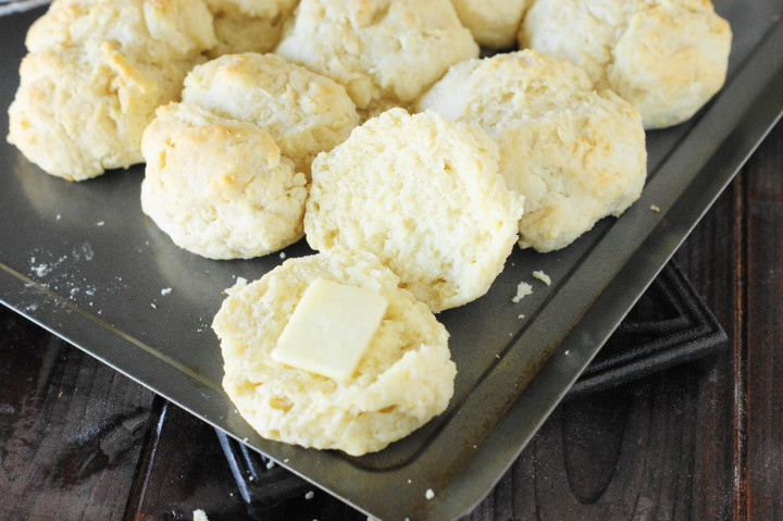 how to make homemade buttermilk biscuits