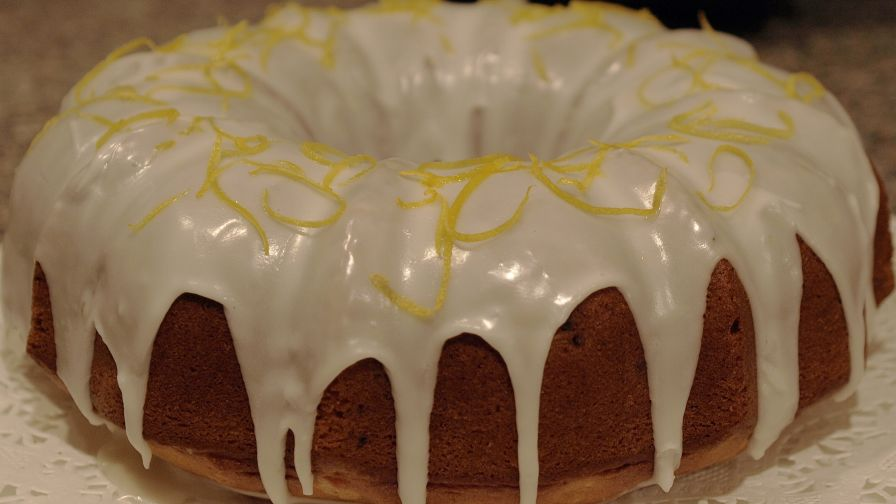 Amazing And Moist Sour Cream Bundt Coffee Cake