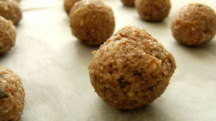 Banana bliss balls raw food recipe genius kitchen 3 view more photos save recipe forumfinder Images
