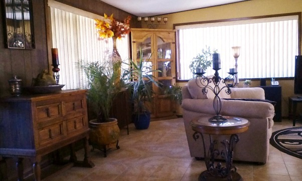 Living rooms , Solar powered home. Sonoran Desert, AZ., Solar Green Home. Sun powered, Earth friendly., Corner for plants, lots of windows in room., Living Rooms Design