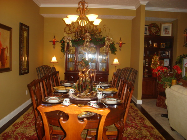 My Favorite Time of the Year, This is my living room all decorated for Christmas.  This year I went with the tradtional red and green modernized somewhat.  Let me know what you think.Hope each of you have a very blessed Christmas., My dining room, Living Rooms Design