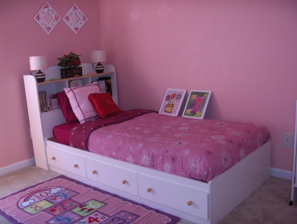 8 year old simple bedroom, We painted my daughter's room last year for her birthday the color she wanted. I still need couple frames but I'l take my time until I find the right ones., This is my 8 yr old daughter bedrooom, she chose that color that I like too. We made it for her birthday last year. I need to add some more wall frames and the 2 pictures on the bed are her art work from school that I framed and I will put them on that wall.   , Girls' Rooms Design
