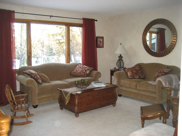 Green and red living room, We're painting in the spring, in the meantime, here's the best I can do. I'm no decorator, but I think it looks OK., Living room in split level home. What do you think of the mirror? , Living Rooms Design