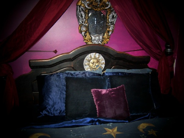 Gothic/Wiccan Bedroom, Always loved the Munsters House on tv , Hey why not do somthimg like that in my own . The Gothic bed Was born, and under $300 and that is a huge King size bed, I made the head board myself, now it's not for everyone I know, but if you like it way out well here it is!!, Gothic Head board home made for les then $300 Not for everyone I know.  I loved the Munsters house on tv and thought hey why not do somthing like that for my room and well here it is . A king size head board and bed I might add, for the price it was a steal!!! If you like the way out, here it is!!!   , Bedrooms Design