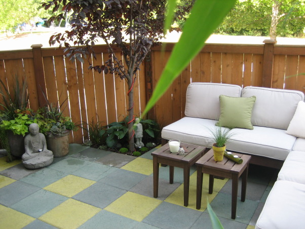 Townhouse Backyard Decks : Patio Oasis, Small townhouse backyard turned into an outdoor living