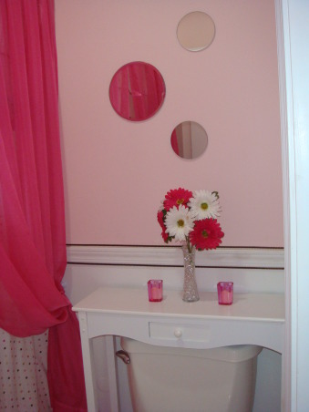 Pink and Brown, This is my 11yr old's bathroom. She wanted pink and brown so thats what I did. I think its missing somthing just dont know what. Any ideas?, Should I keep the toilet table white or paint it brown?, Bathrooms Design