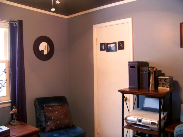 Fabulous Relaxing Brown & Blue Office, This room was blue when I moved in. I painted it hot pink!! The pink was different but it hurt my head after a while. SO back to blue, but a better blue. I painted the ceiling dark brown partly as an experiment to see if I would like it, and partly to hide the imperfections, cracks, bumps, and glued on stars!!! Turns out, I do love a brown ceiling and have since painted the bedroom ceiling and will soon paint the bathroom. Anyone thinking about painting a ceiling dark brown....don't be afraid!! Although I must say, I think white crown molding is a must in such an endeavor. So anyway, this is my favorite room so far but I am open to any suggestions you may have. Several minds are better than one., The room has finally been tamed , Home Offices Design
