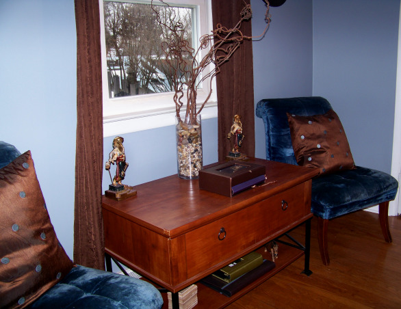 Fabulous Relaxing Brown & Blue Office, This room was blue when I moved in. I painted it hot pink!! The pink was different but it hurt my head after a while. SO back to blue, but a better blue. I painted the ceiling dark brown partly as an experiment to see if I would like it, and partly to hide the imperfections, cracks, bumps, and glued on stars!!! Turns out, I do love a brown ceiling and have since painted the bedroom ceiling and will soon paint the bathroom. Anyone thinking about painting a ceiling dark brown....don't be afraid!! Although I must say, I think white crown molding is a must in such an endeavor. So anyway, this is my favorite room so far but I am open to any suggestions you may have. Several minds are better than one., Love my pirates, chairs, pillows and curtains. The branch vase was made with leftovers from wedding centerpieces. , Home Offices Design