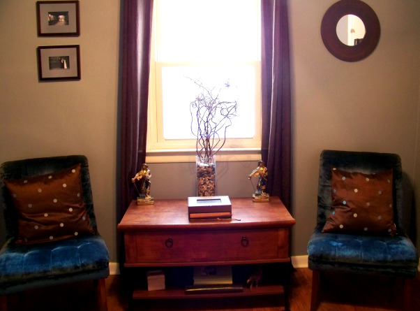 Fabulous Relaxing Brown & Blue Office, This room was blue when I moved in. I painted it hot pink!! The pink was different but it hurt my head after a while. SO back to blue, but a better blue. I painted the ceiling dark brown partly as an experiment to see if I would like it, and partly to hide the imperfections, cracks, bumps, and glued on stars!!! Turns out, I do love a brown ceiling and have since painted the bedroom ceiling and will soon paint the bathroom. Anyone thinking about painting a ceiling dark brown....don't be afraid!! Although I must say, I think white crown molding is a must in such an endeavor. So anyway, this is my favorite room so far but I am open to any suggestions you may have. Several minds are better than one., Armless chairs donated by my wonderful mother inlaw, pillows and curtains received for xmas by my wonderful mother    , Home Offices Design