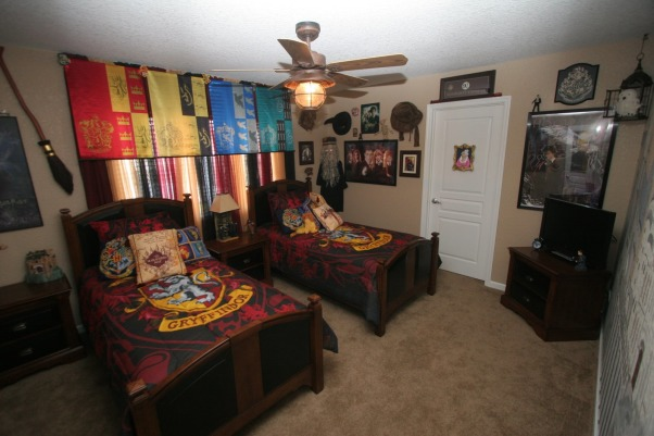HARRY POTTER BEDROOM BY DSNY HOMES, Hi Everyone, This themed bedroom is in one of our family vacation rental homes near Disney in Orlando. You can view more photos at http://www.dsnyhomes.com   , HARRY POTTER BEDROOM , Bedrooms Design