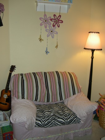 Diva Paris zebra room, Recovered a 5 dollar garage sale chair. It's big for storytime for 3!, Girls' Rooms Design