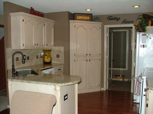 Our New Cream Glazed Kitchen!!!, Glazed cabinets cream cabinets oil rubbed bronze granite, Finshed  , Kitchens Design