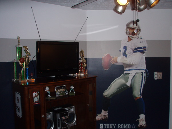 Son's Dallas Cowboy Inspired Room, This room consist of all the colors associated with the Dallas Cowboys, Tony Roma FATHEAD on opposite wall., Boys' Rooms Design