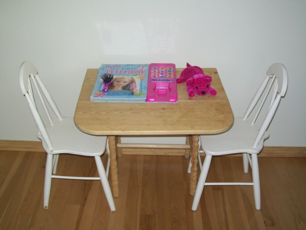 3 year old's room, butterflies, flowers, and all a 3 year old wants., riyan's dining room area., Girls' Rooms Design