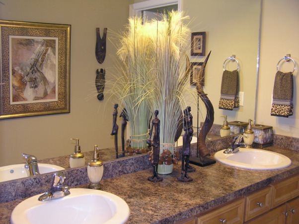 Africa Themed Guest Bath Found All These Wonderful Decor Items At A